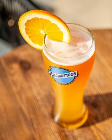 Whether you're spending your #CanadaDay at the cottage, on your balcony, or a patio, add Belgian Moon to the celebration for the perfect amount of freshness with every sip🍻